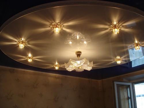 двухъярусные подвесные потолки фото